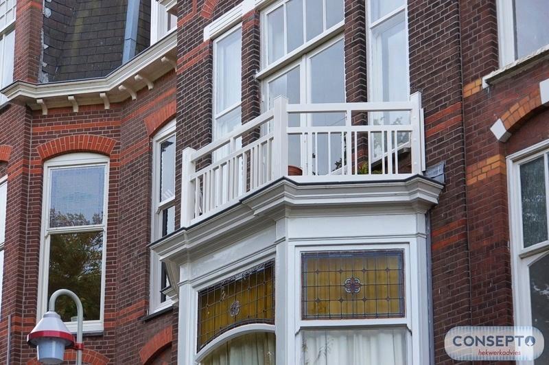 Consepto Hekwerk-Woodlook Balkonhekwerk replica