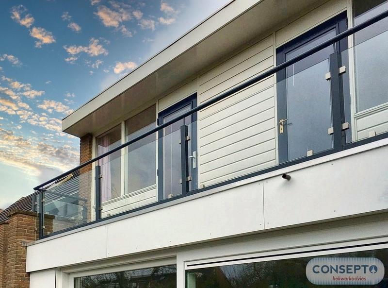 Consepto Hekwerk-Glazen balustrade