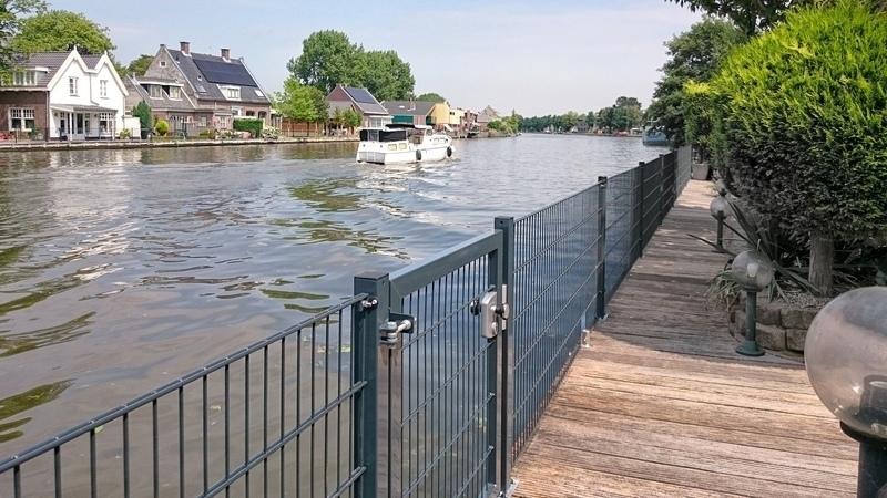 Consepto Hekwerk-Looppoort Dubbelstaafmathekwerk staafmat poort vlonder kinderen